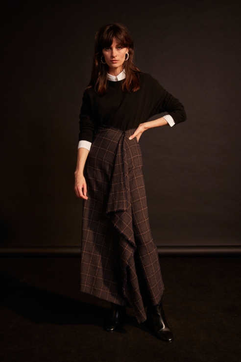 checkered long skirt with bow