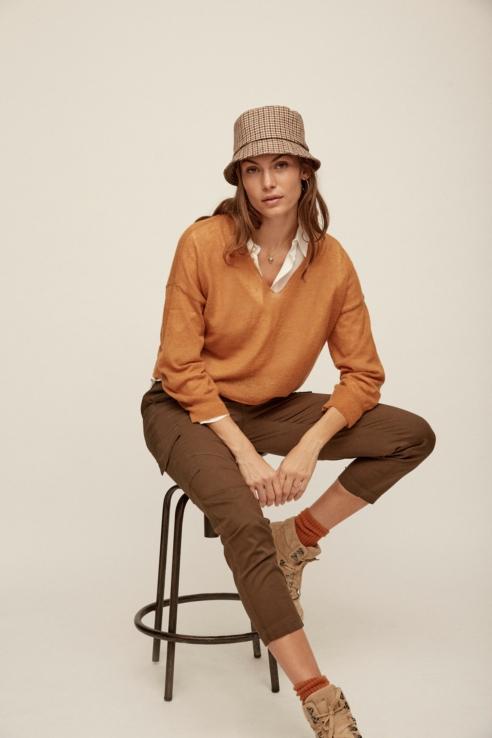jersey escote pico camel