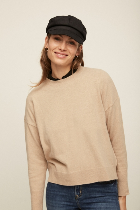camel round neck sweater