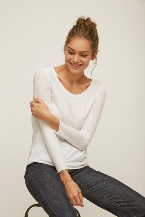 camiseta blanca manga larga
