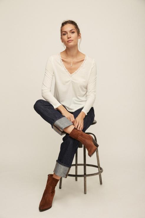 white long sleeve blonde lace t-shirt