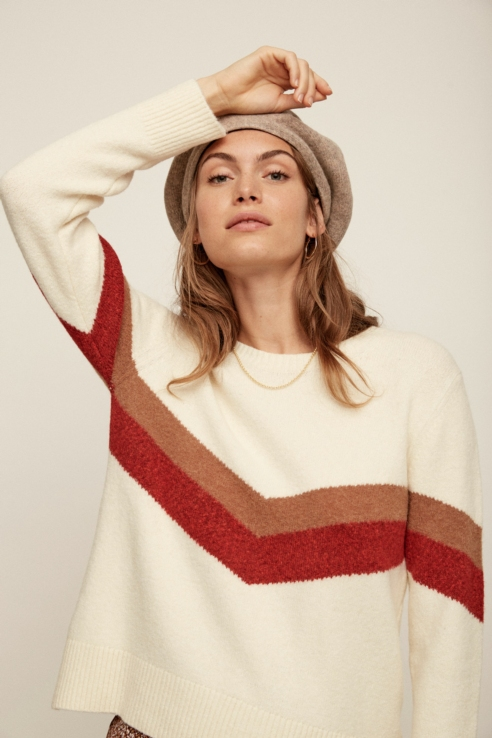 arrow detail sweater