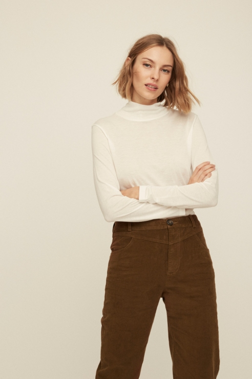 white turtle neck t-shirt
