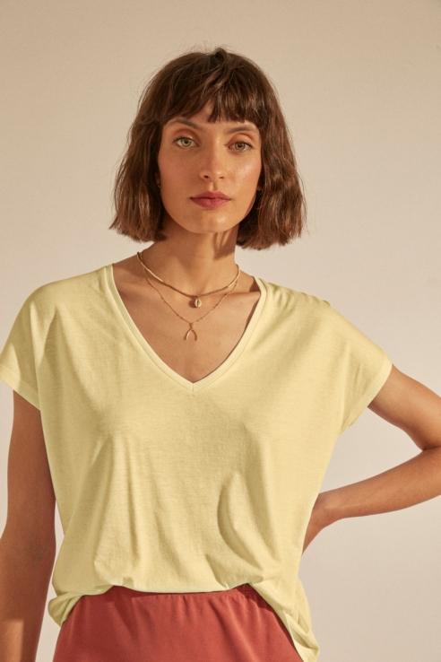 v-neck lemon t-shirt
