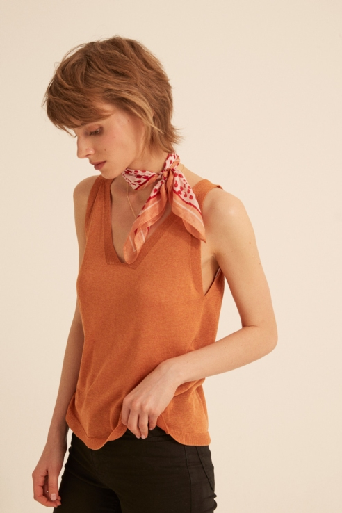 brick red fine knit top