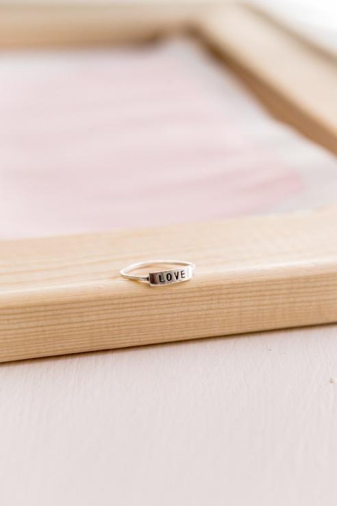 anillo love grabado
