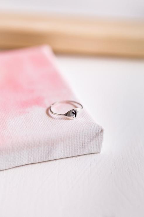 anillo palmera grabada