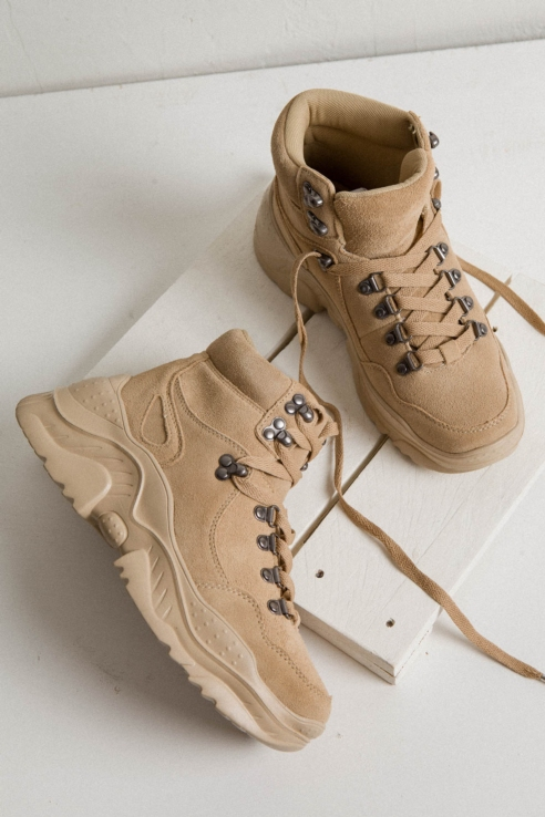 camel hiking boots