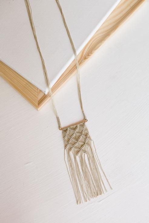 collar colgante alfombra
