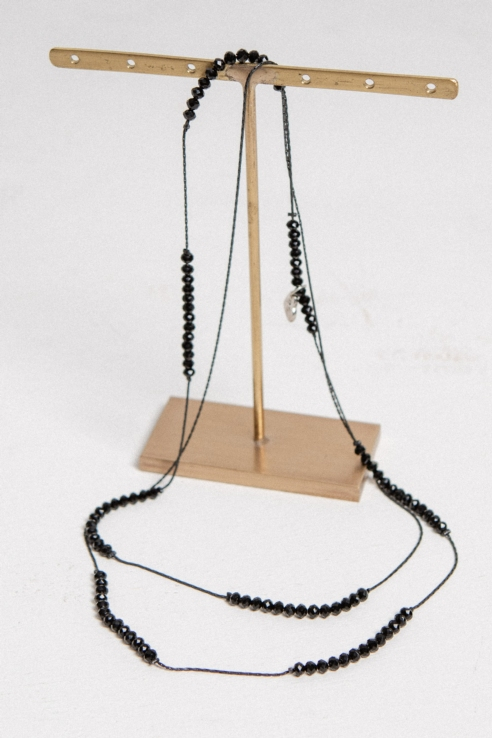 sequence black beads necklace