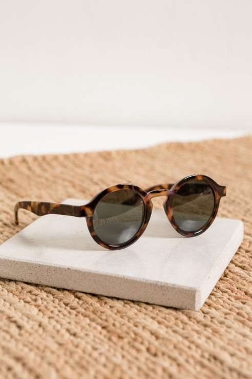 round carey sunglasses