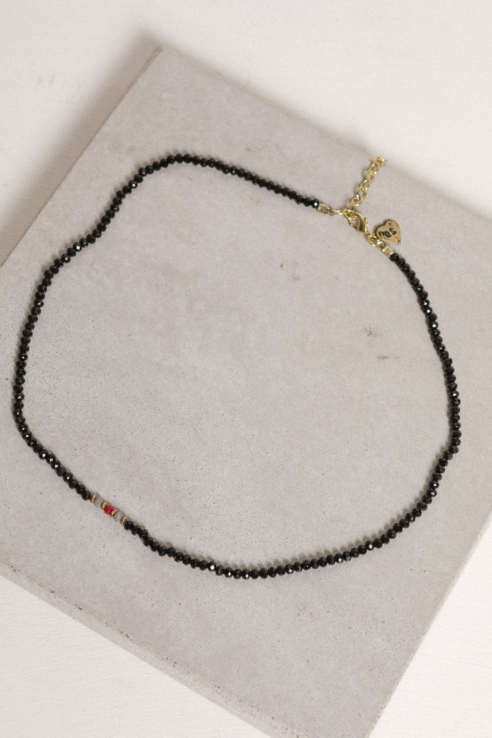 black glass beads necklace