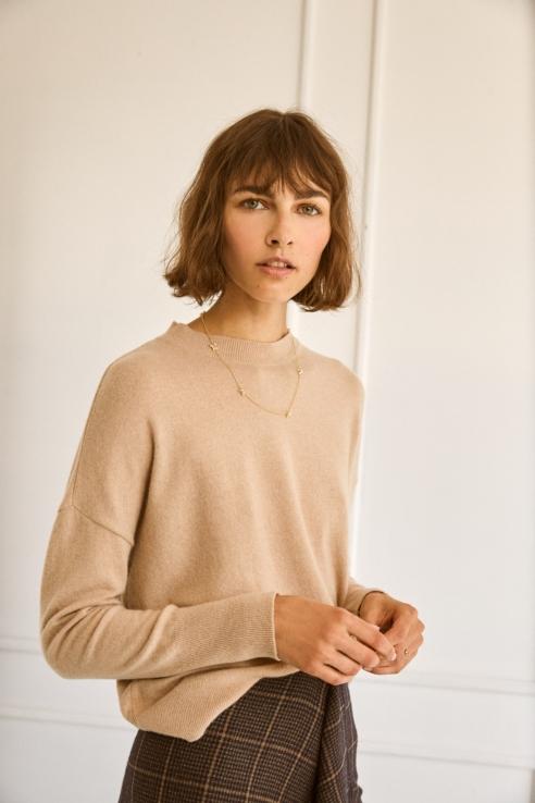 camel round neck sweater