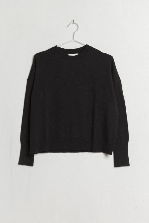 jersey cuello redondo negro