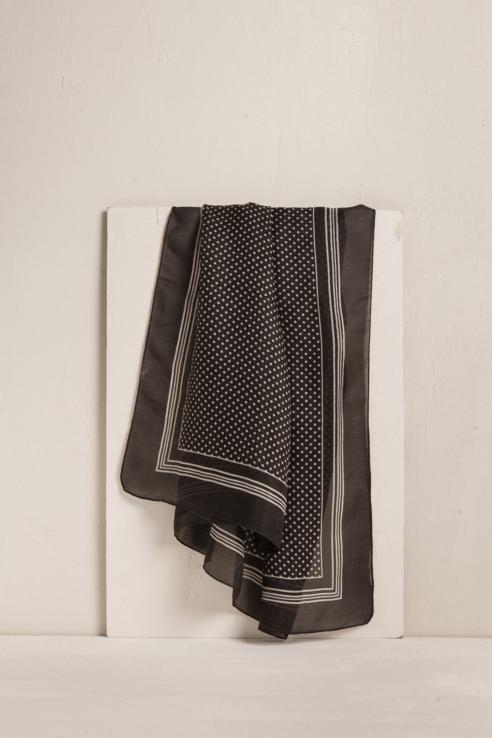Foulard soie noire à pois