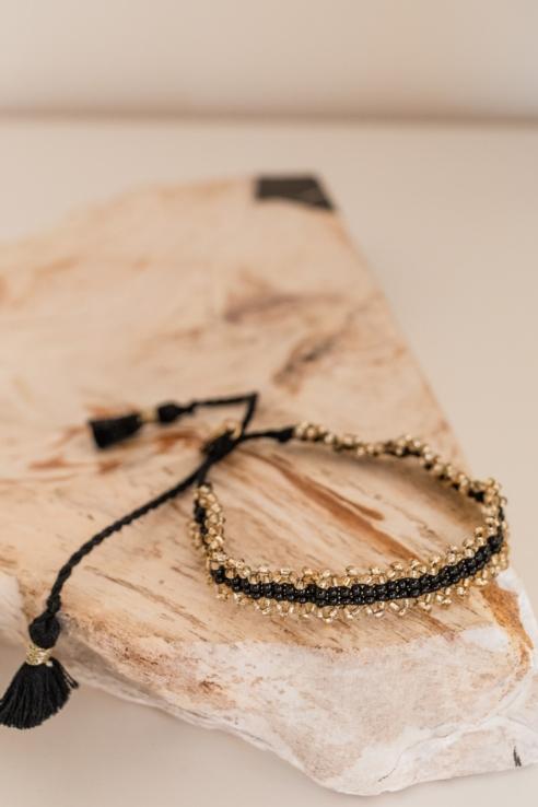 pulsera abalorios en dorado y negro