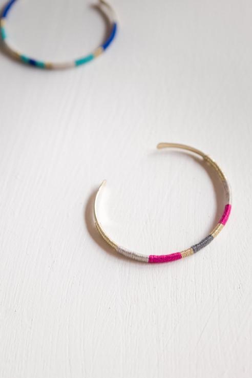 pulsera metal hilo rosa