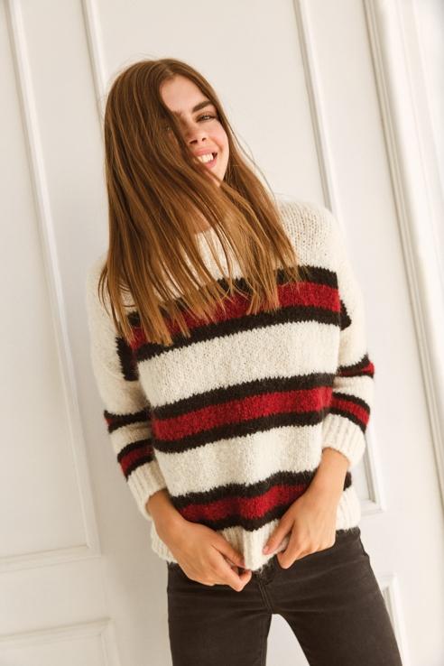 pull blanc franges rouges