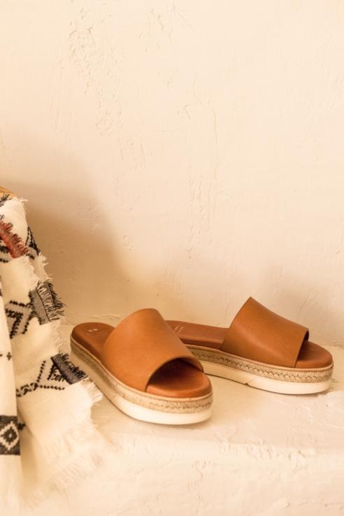 sandale en suède avec plateforme