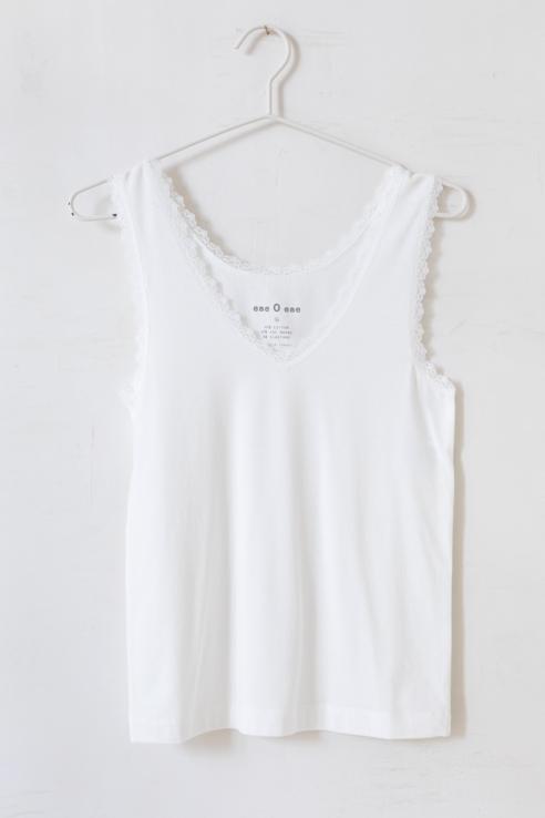 camiseta tirantes blanca blonda
