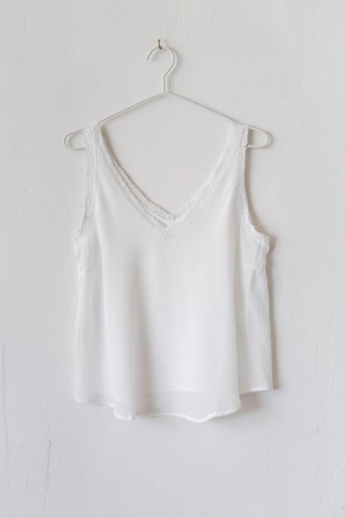 top lencero blanco puntilla