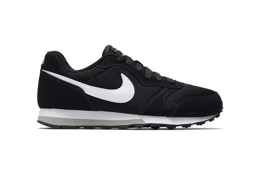 caf7421b7e1 NIKE NIKE MD RUNNER 2 (GS) BLACK WHITE WOLF GREY. Zapatillas ...