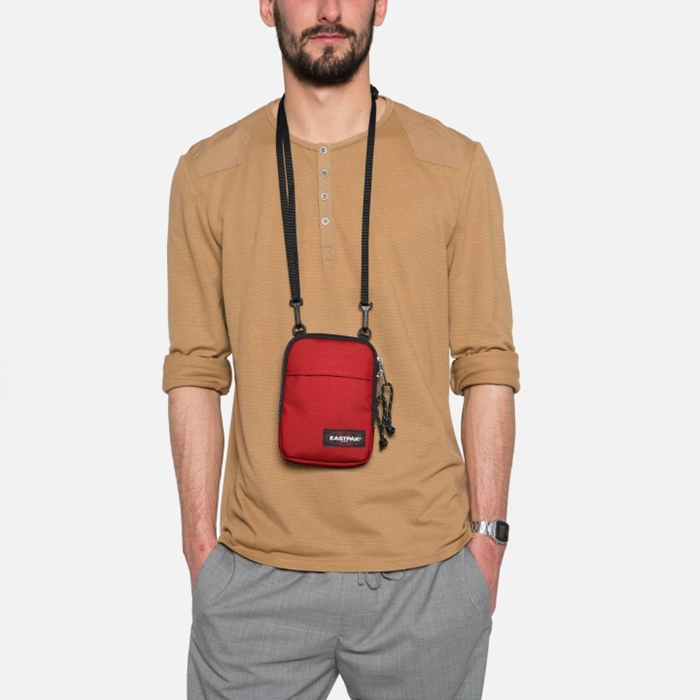 Bandolera Eastpak modelo Buddy en color rojo