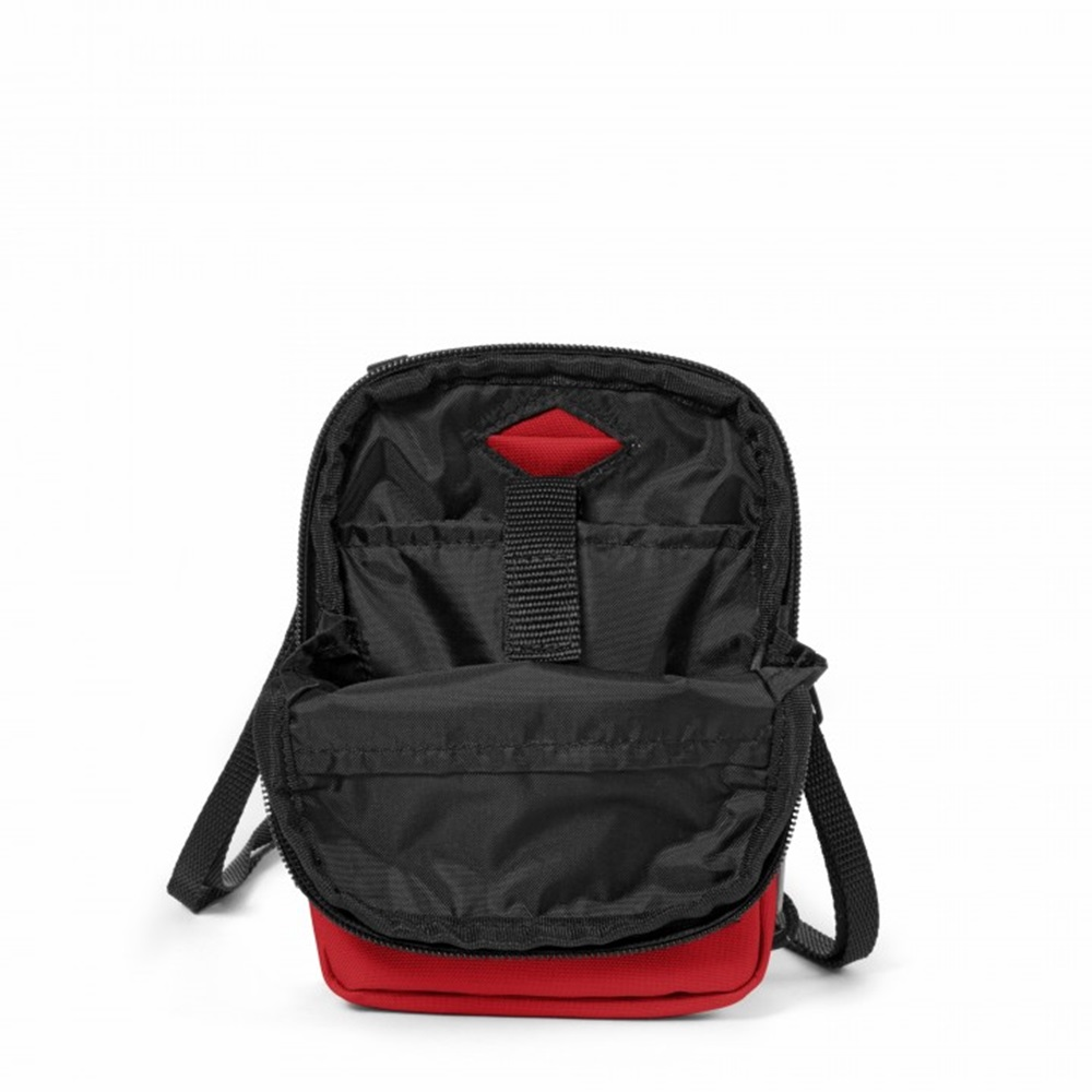 Bandolera Eastpak modelo Buddy en color rojo-b
