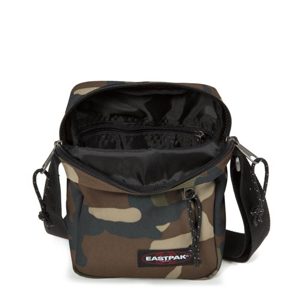 Bandolera Eastpak modelo The One con estampado de camuflaje
