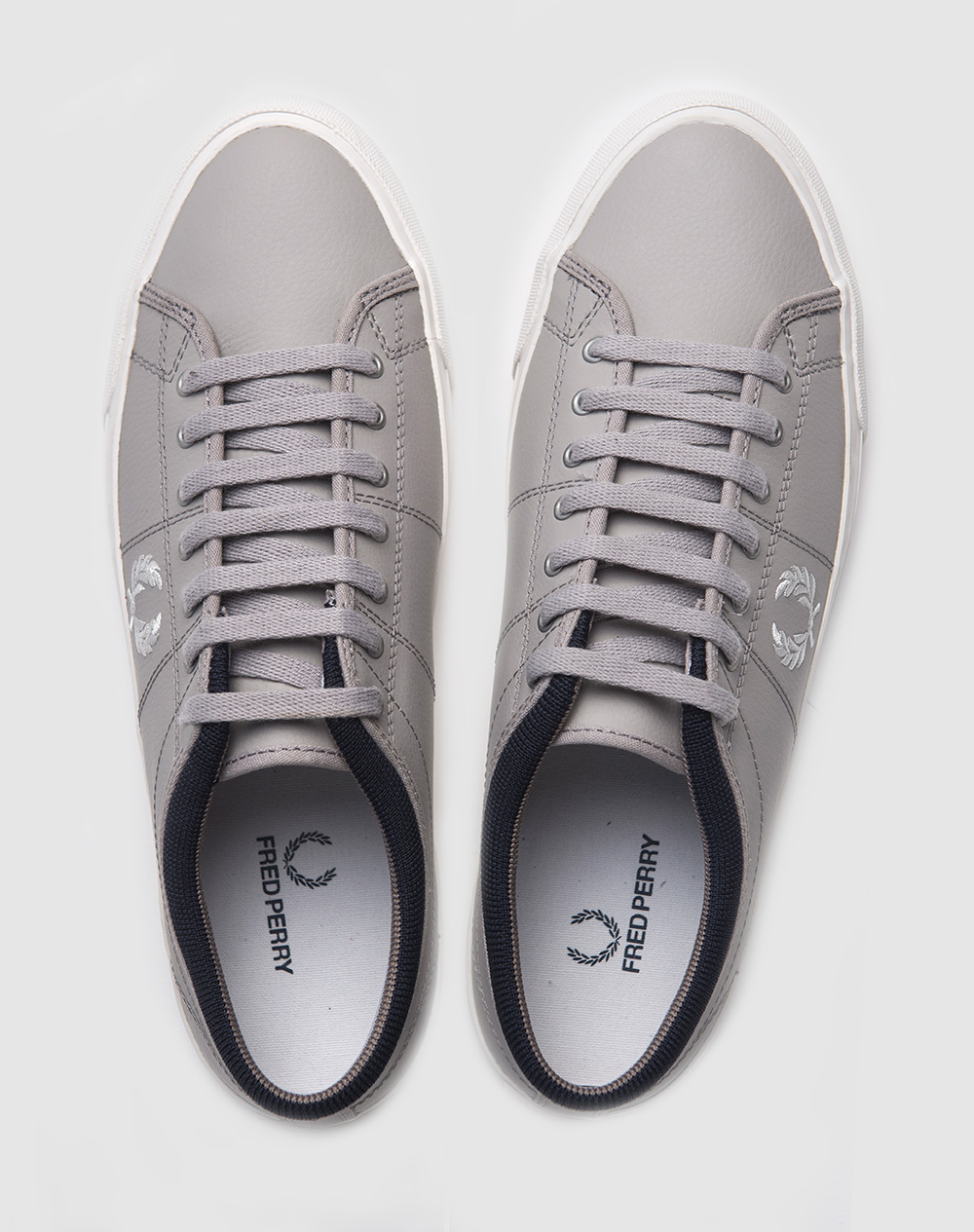 Zapatillas Fred Perry modelo Kendrick Reverses Tipped Cuff Canvas en color gris para hombre-c