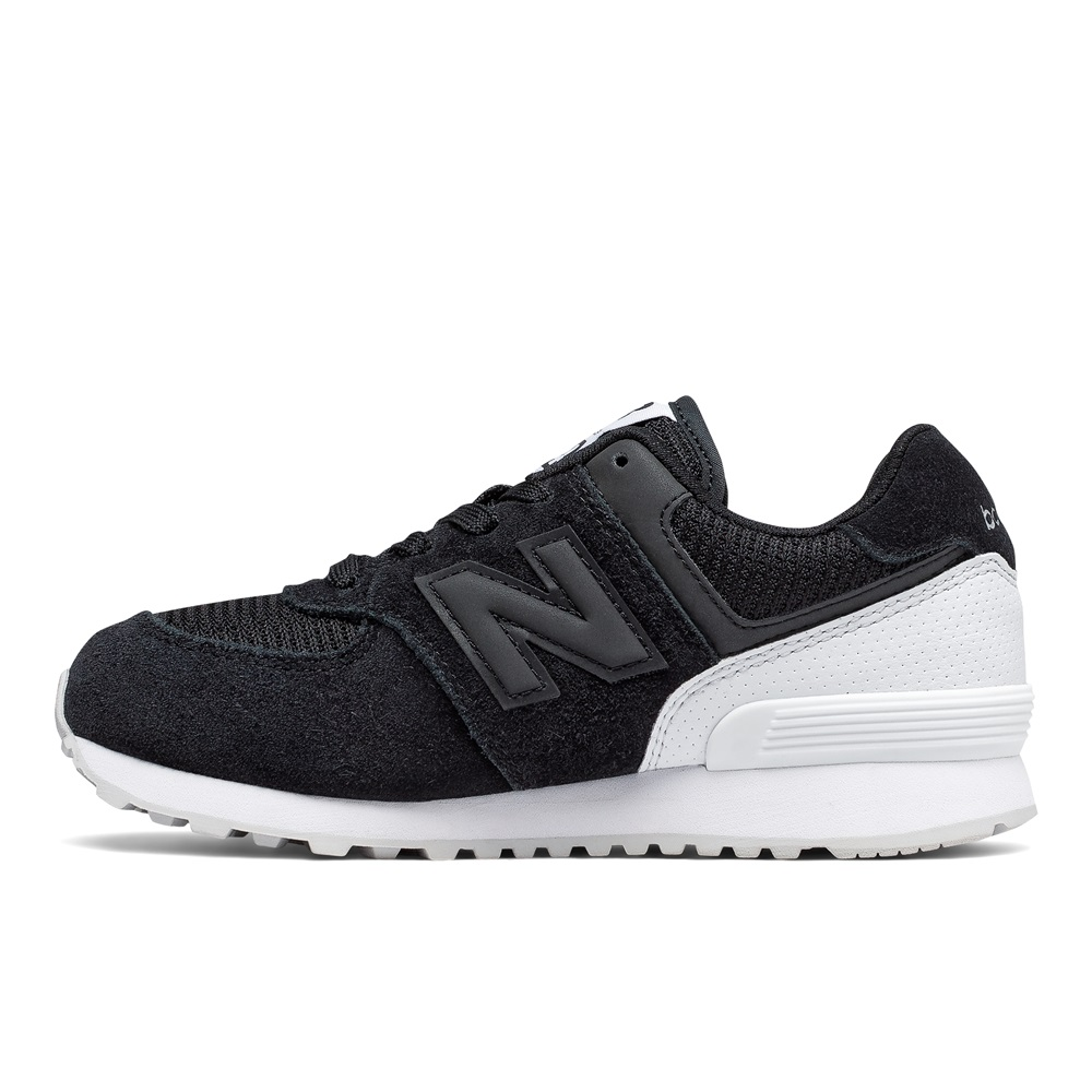 Zapatillas New Balance modelo KL574 c8g en color negro para junior