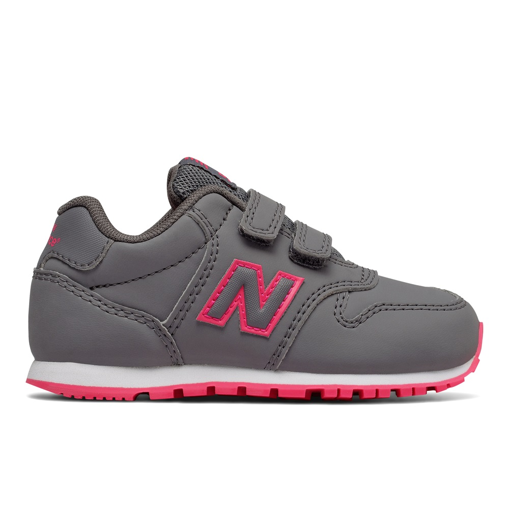 Zapatillas New Balance modelo KV500 en color gris para junior-d