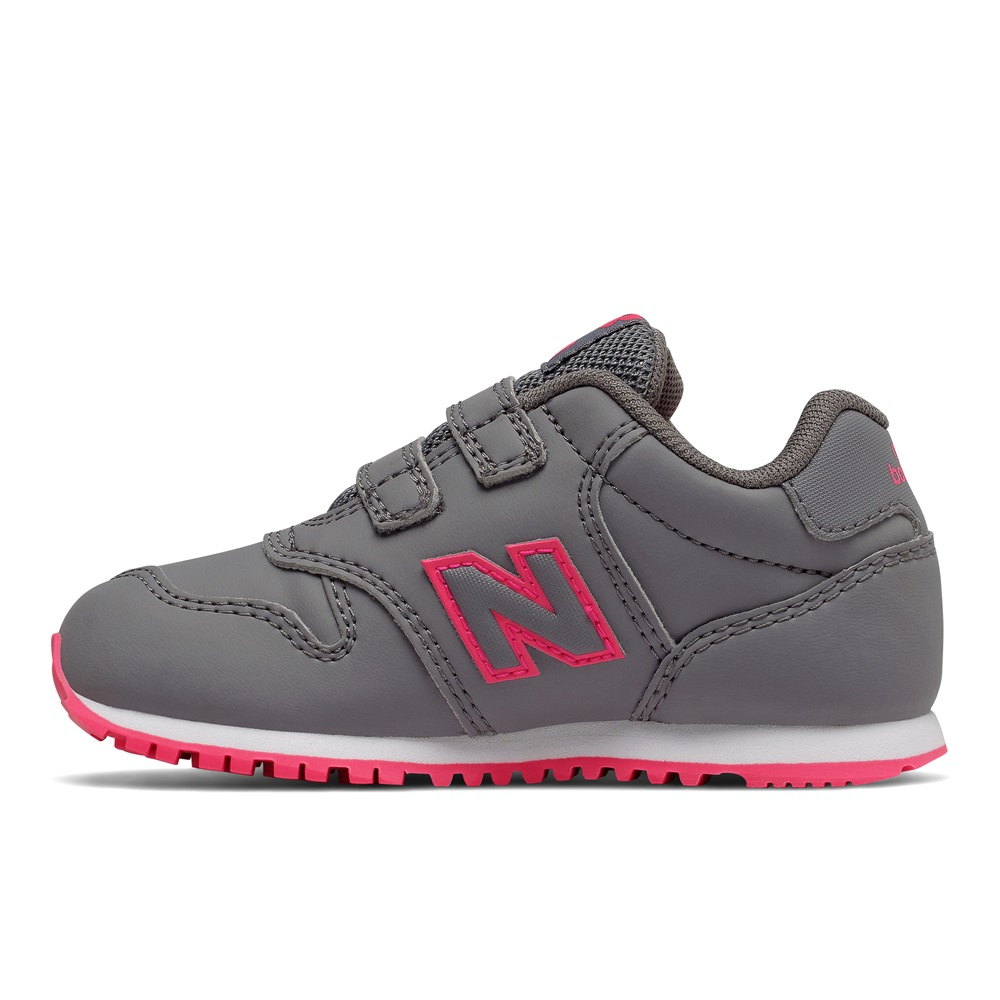 Zapatillas New Balance modelo KV500 en color gris para junior