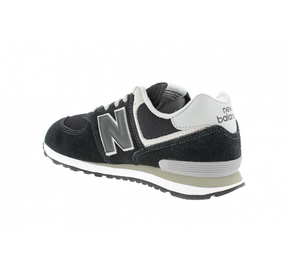 Zapatillas New Balance modelo GC574 GK en color negro para junior-c