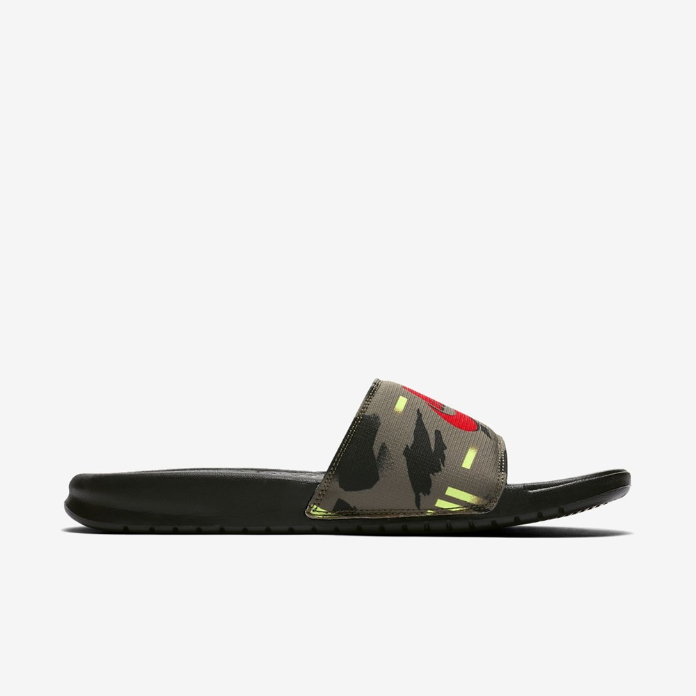 NIKE BENASSI MEDIUM OLIVE/BRIGHT CRIMSON-BLACK-VOLT