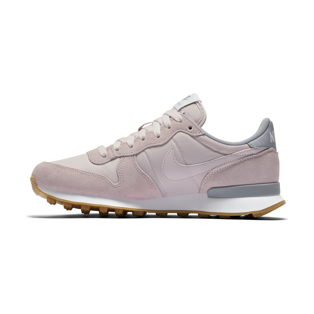 Zapatillas Nike modelo Internationalist en color rosa para mujer