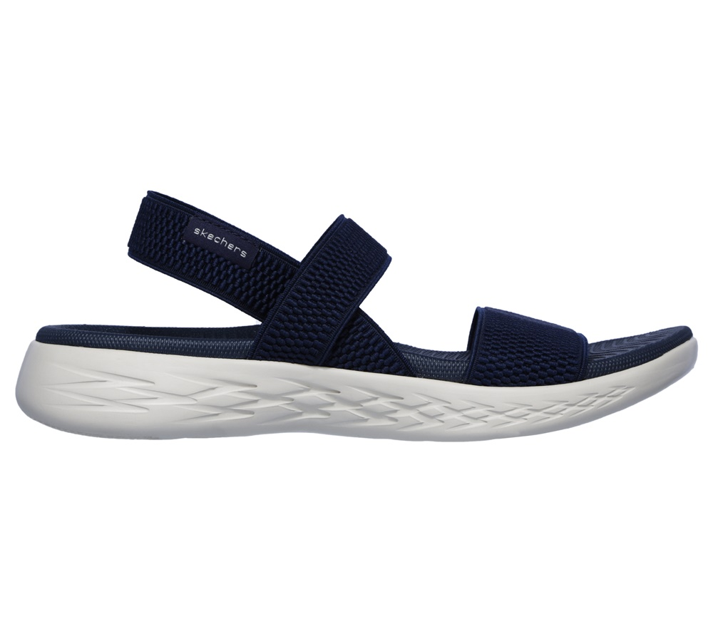 Sandalias SKECHERS ON THE GO 600 FLAWLESS NVY en color azul para mujer.-f