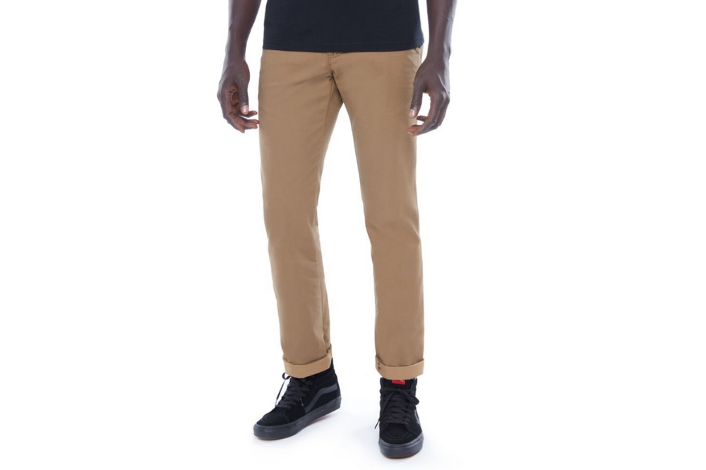 Pantalón Vans MN AUTHENTIC CHINO para hombre en color camel-c