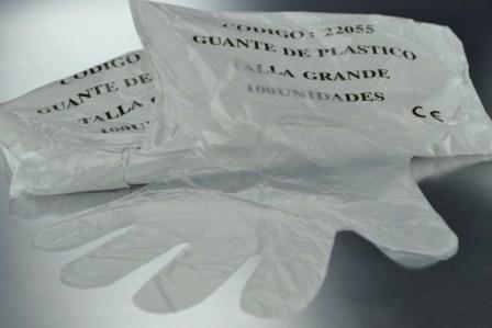 Guante de Plástico no esteril