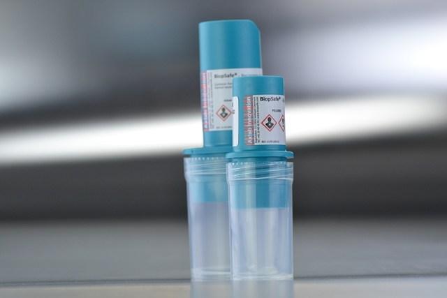 Formol 20 ml. con frasco para muestra