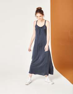 Vestido tirantes largo fluido seda