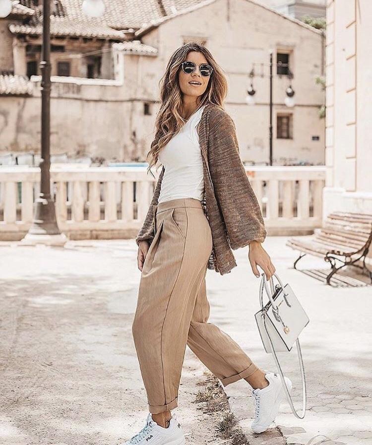 @claudiasorianomunoz Look for a casual day by @sita_murt