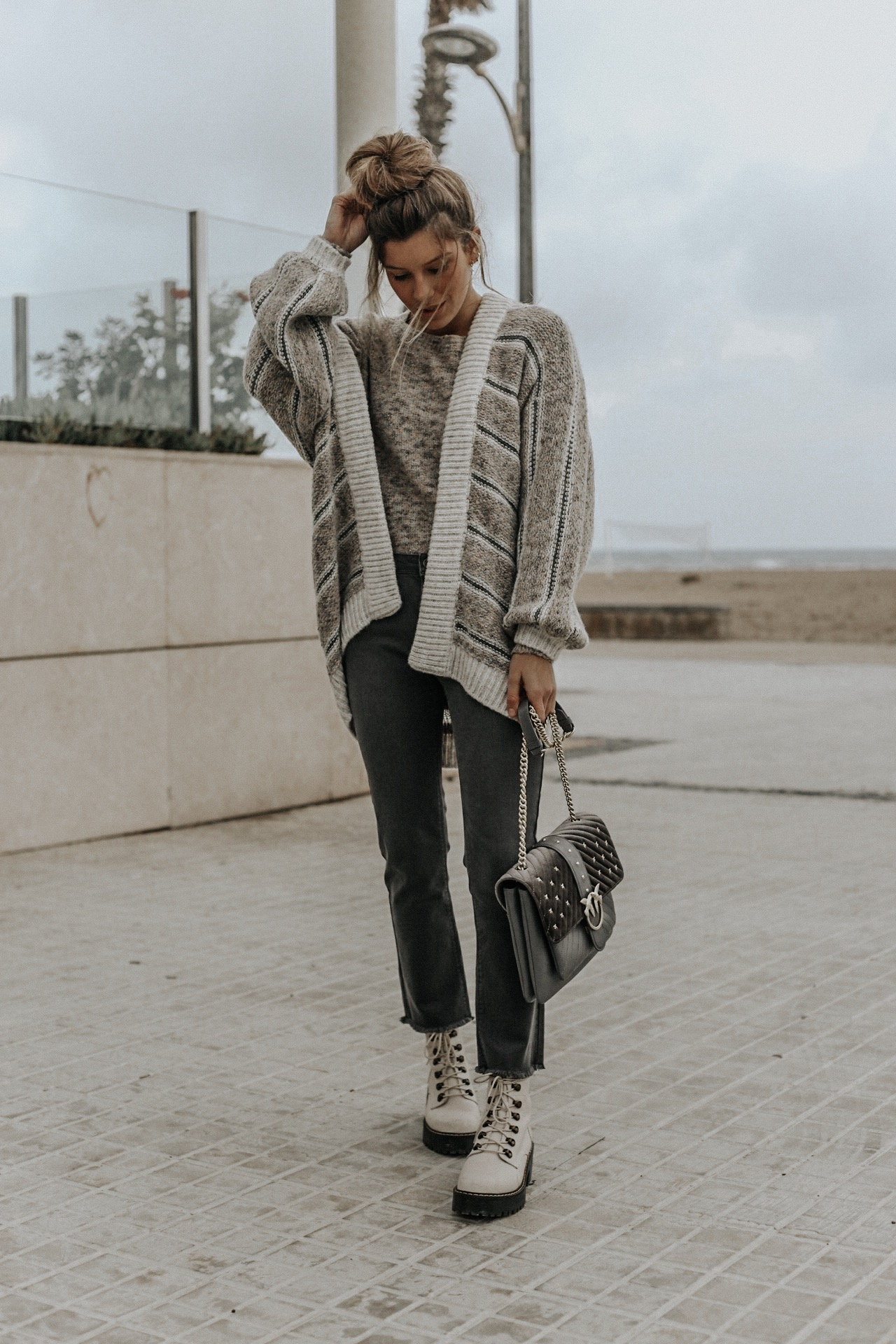 Looking for new outfit ideas? by @claudiasorianomunoz
