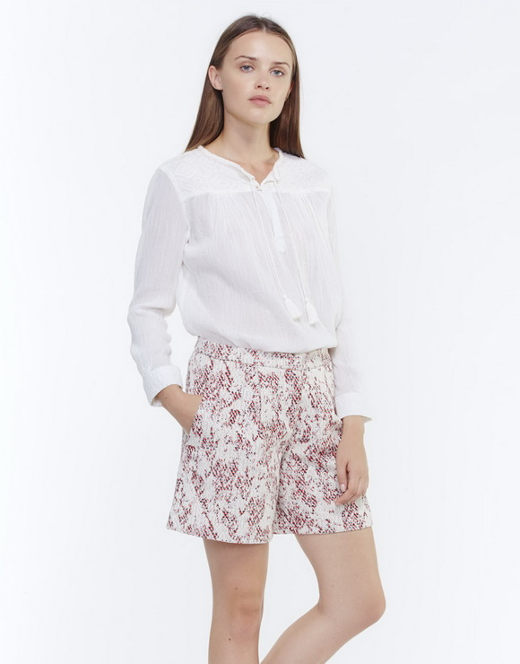 Cotton blouse with embroidery