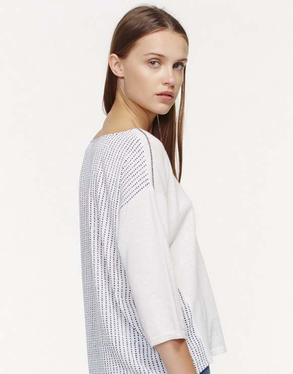 Sweater combined with print fabric
