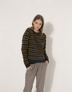 Knit sweater with Jacquard edging