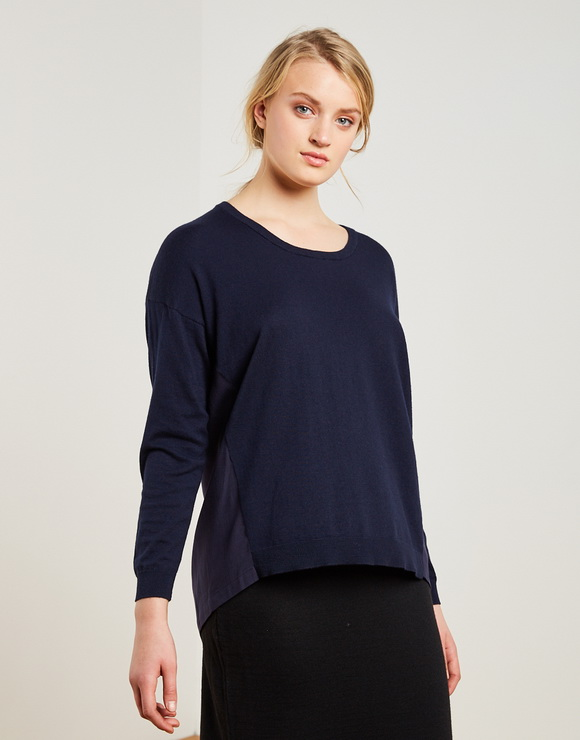 Back Bottoned Sweater