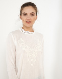 Twill Embroidery Blouse