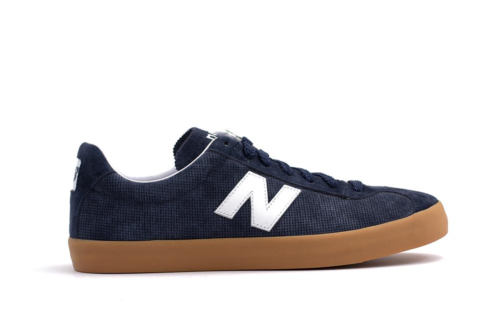 Sneakers New Balance ML22NA Brutalzapas