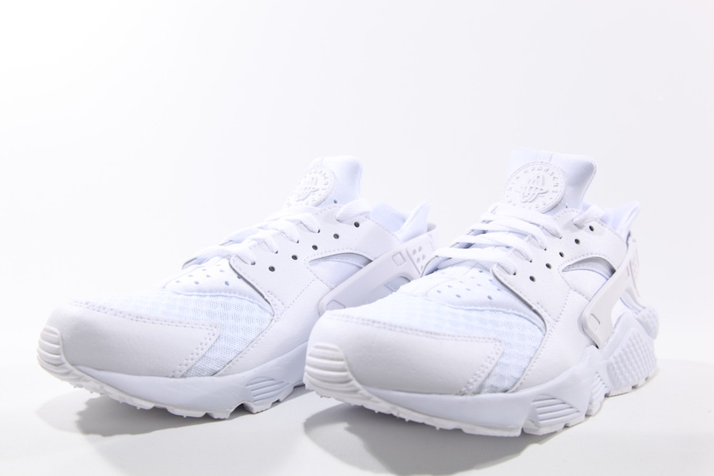 NIKE AIR HUARACHE TOTAL WHITE